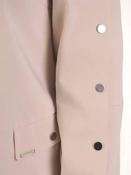 Beżowa kurtka damska z ozdobnymi napami 29075