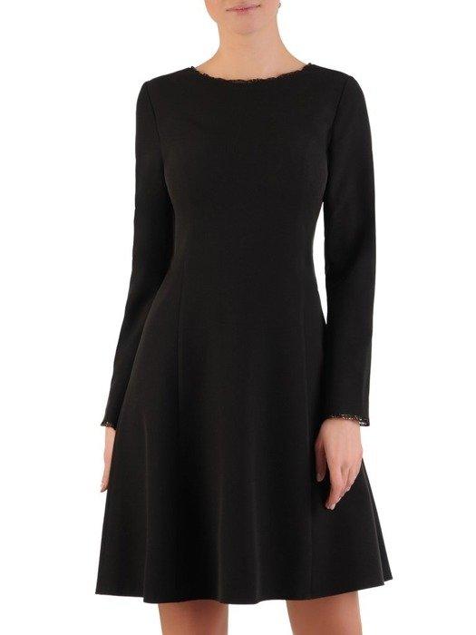 Rozkloszowana sukienka z modną stójką i wykończeniem rękawów 24292