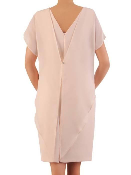 Beżowa sukienka wyjściowa z ozdobnym marszczeniem 26323
