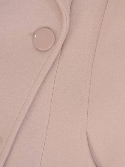 Beżowy płaszcz damski z ozdobnym wiązaniem 27809