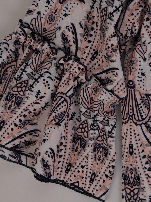 Bluzka z modnymi rękawami 15423.