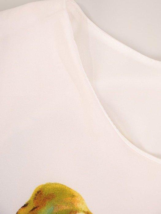 Bluzka z tkaniny o ciekawym wzorze 25164