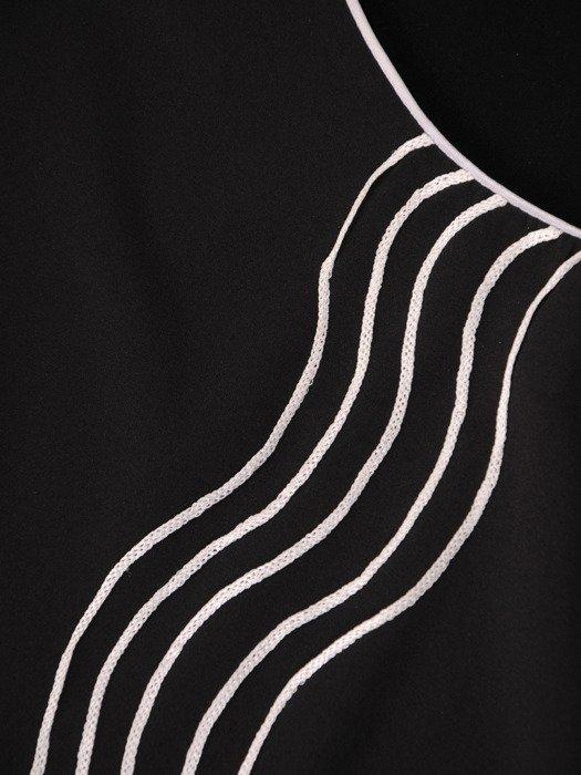 Bluzka z wyszczuplającymi lamówkami Skarlet III.