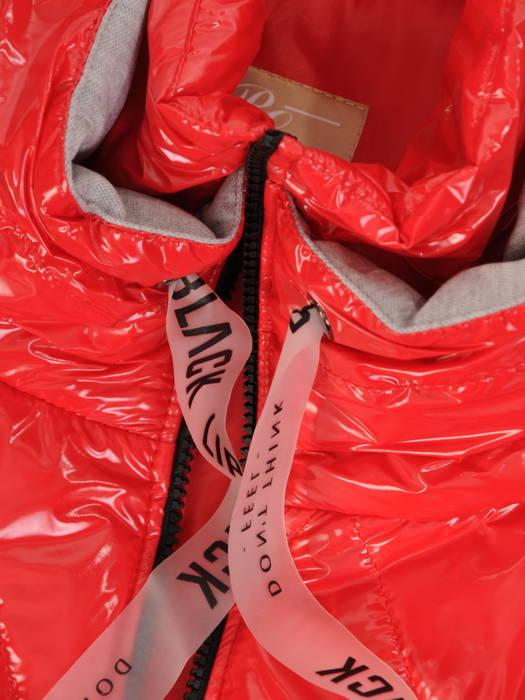 Czerwona kurtka  z dresowymi wstawkami na rękawie i kapturze 30664