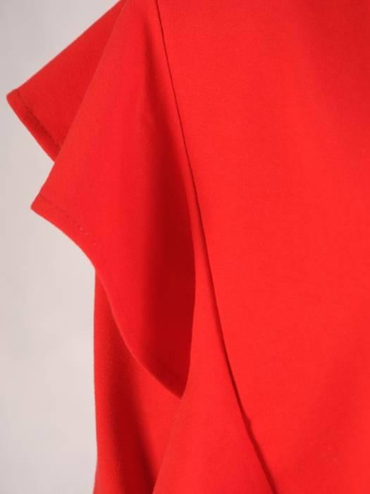 Czerwony komplet dresowy z ozdobnym łańcuszkiem 28709