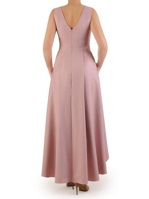 Długa, błyszcząca suknia z modną zakładką, pastelowa kreacja na wieczór 25102
