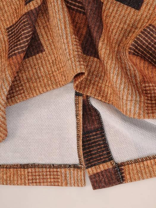 Dzianinowa sukienka w geometryczny wzór 27298