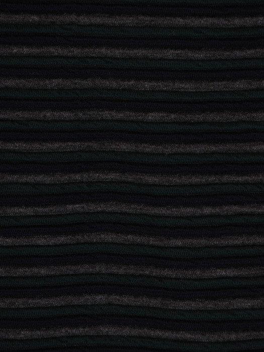 Dzianinowa sukienka z modnym, luźnym topem 17701, jesienna kreacja w paski.