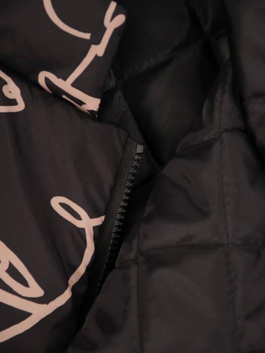 Efektowany płaszcz damski o ciekawym wzorze 30846