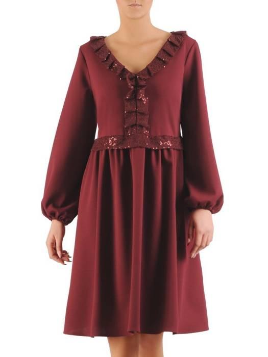 Elegancka bordowa sukienka z żabotem wykończonym cekinami 27931