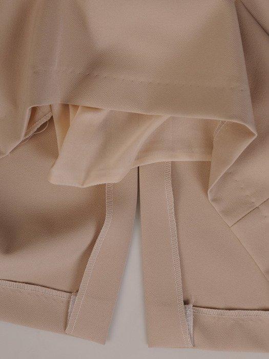 Elegancka sukienka wyszczuplająca Ewita XIII, kreacja wyjściowa z koronkowymi wstawkami.
