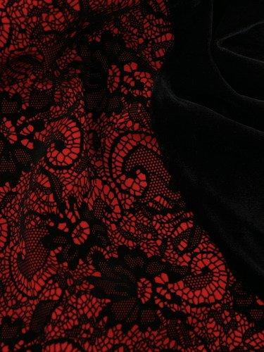 Elegancka sukienka wyszczuplająca biodra Karolina, wieczorowa kreacja z aksamitu.