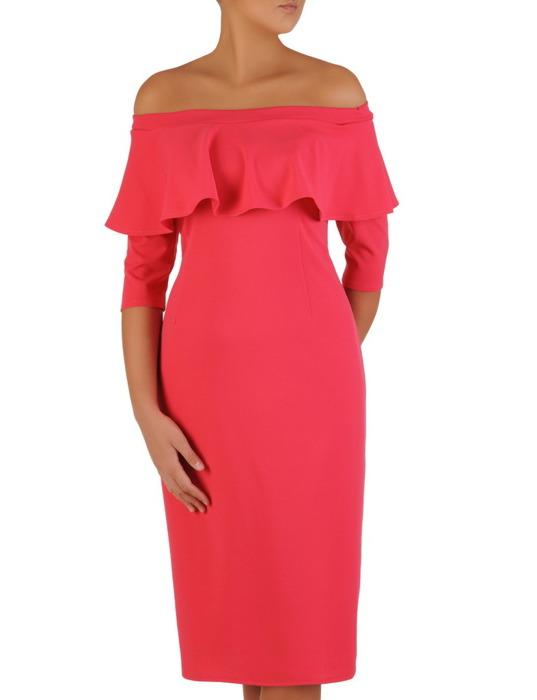 Elegancka sukienka z dekoltem carmen, amarantowa kreacja odsłaniająca ramiona 22429