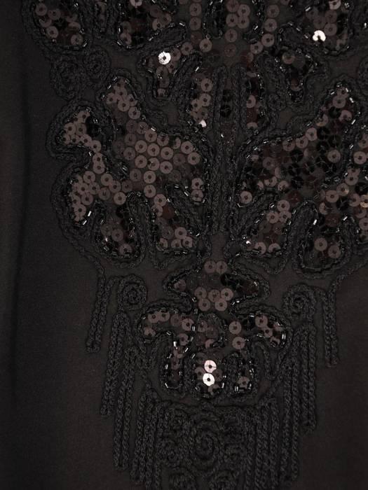 Elegancka sukienka z koronkowym dekoltem 27463
