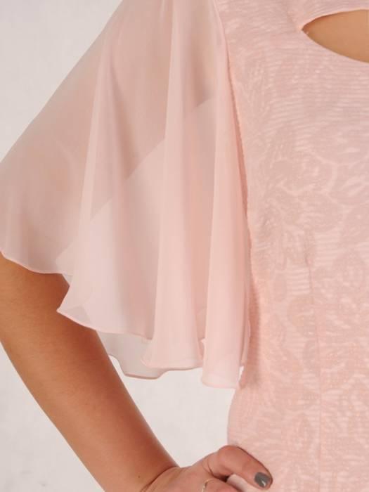 Elegancka sukienka z modnie wyciętym dekoltem 28562