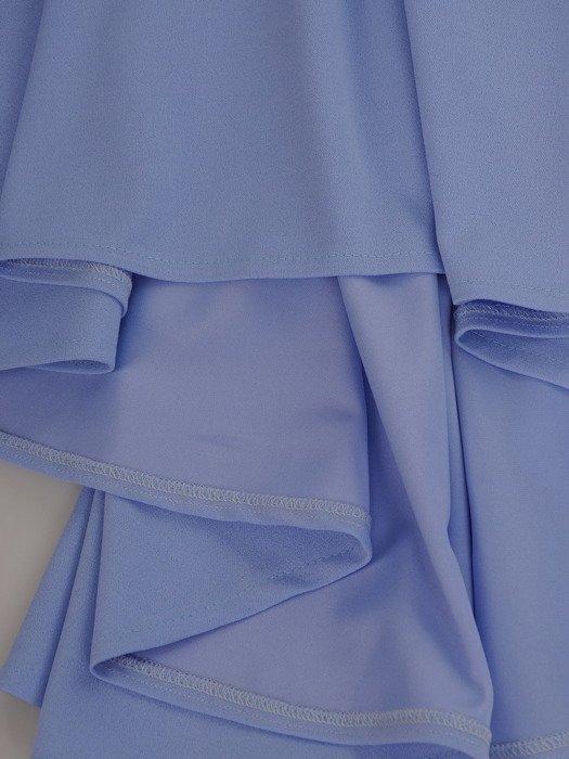 Elegancka sukienka z trenem 17160, modna kreacja wykończona koronką.