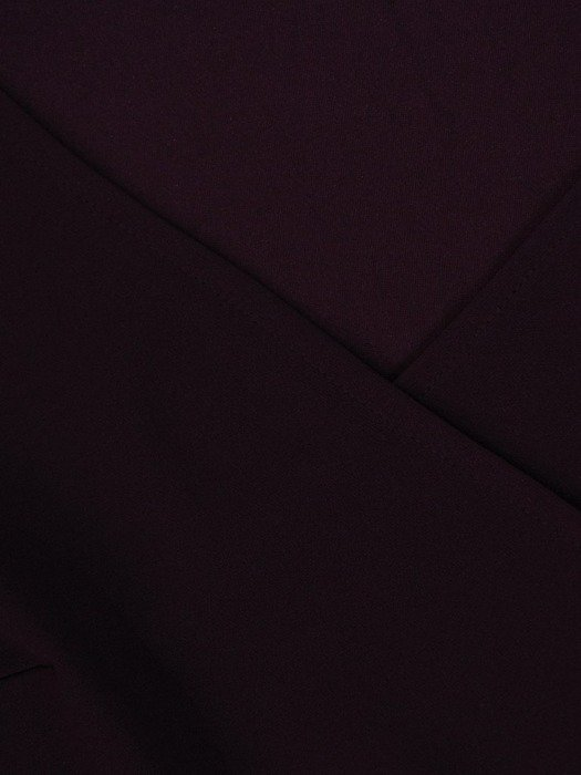 Fioletowa sukienka z dzianiny, kreacja z kopertowym dekoltem 22603