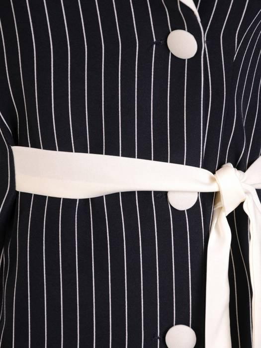 Granatowa sukienka w paski, kreacja z kontrastowymi wstawkami 28117