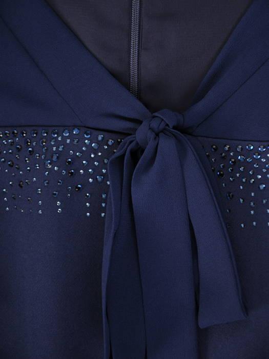 Granatowa sukienka z tkaniny, kreacja z szyfonowymi rękawami 30614