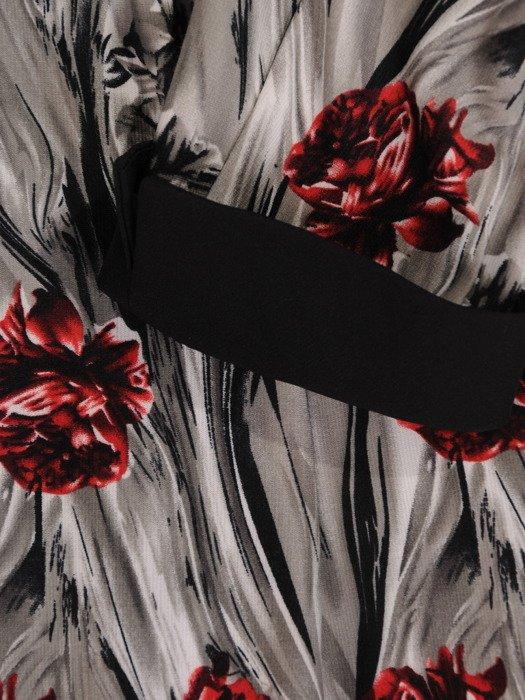 Jesienna sukienka Celestia XXV, elegancka kreacja w kwiatowy wzór.
