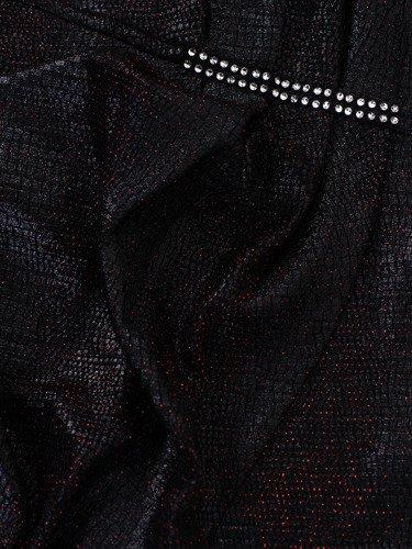 Kopertowa sukienka z marszczoną zakładką 14362, kreacja z błyszczącej tkaniny.