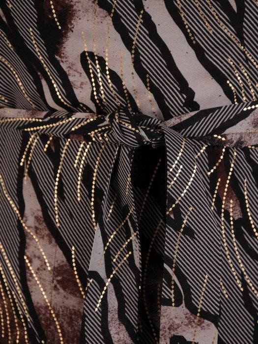 Kopertowa sukienka z szyfonu, wizytowa kreacja z falbaną 24535
