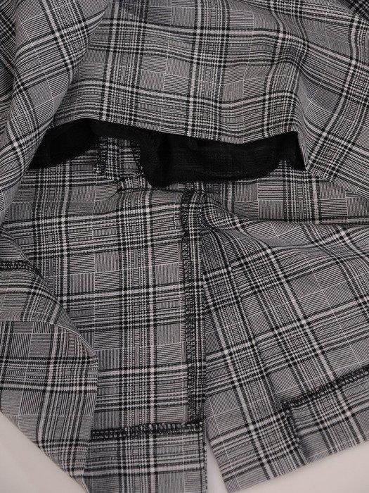 Kraciasta sukienka z szyfonowymi rękawami i modnym kołnierzykiem 17635.