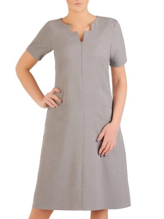 Lniana sukienka z ozdobnie wyciętym dekoltem 29020