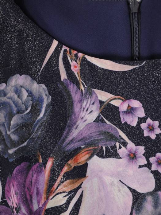 Luźna sukienka w kwiaty, kreacja ze zbluzowaną górą 30335