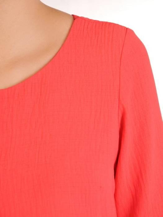 Luźna sukienka z przewiewnej tkaniny w modnym odcieniu czerwieni 30213