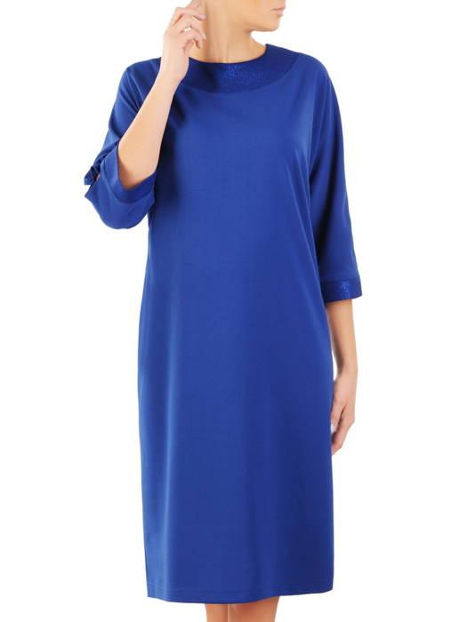 Nowoczesna sukienka z szerokimi, połyskującymi lamówkami 31191
