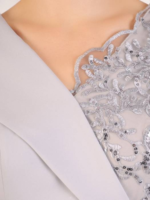 Popielata suknia wieczorowa, kreacja z topem zdobionym koronką 30159