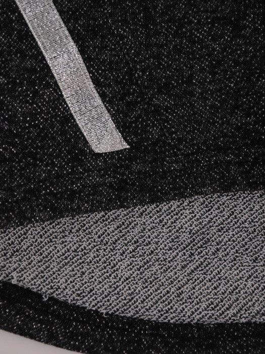 Prosta bluzka ze srebrnymi przeszyciami 18017.