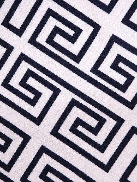 Prosta sukienka z dzianiny, kreacja w geometrycznym wzorze 23561
