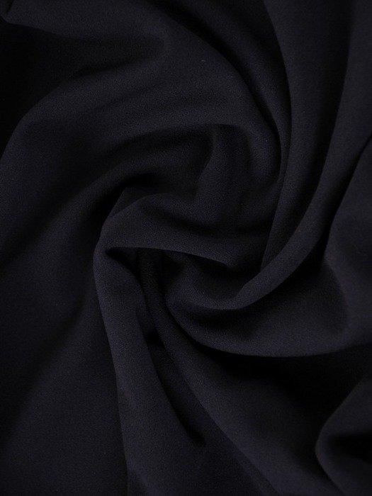 Prosta sukienka z głębokim dekoltem, granatowa kreacja na jesień 22466