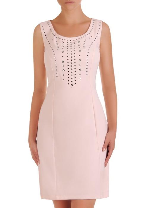 Pudrowa sukienka z modnie wykończonym dekoltem 21465