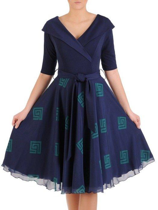 Rozkloszowana sukienka, kreacja z modnym kołnierzem 25401