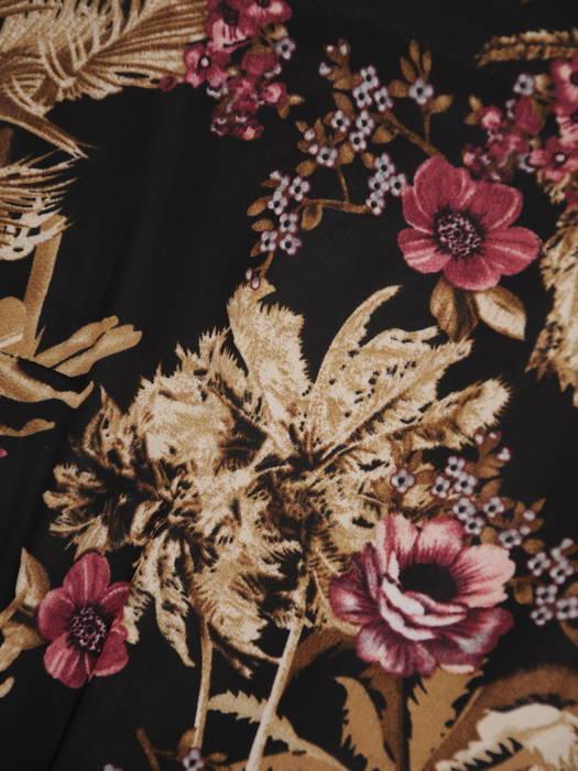 Rozkloszowana sukienka, modna kreacja w kwiatowy wzór 30718