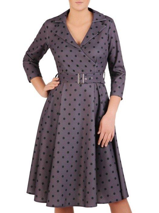 Rozkloszowana sukienka w groszki, dzianinowa kreacja z paskiem 23738