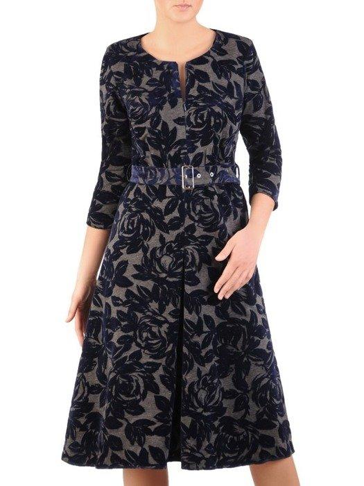 Rozkloszowana sukienka z modną kontrafałdą, kreacja z paskiem 24042