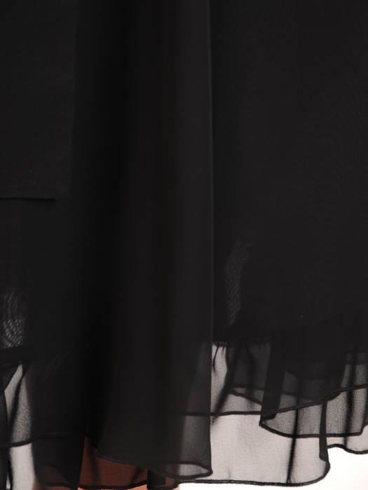 Rozkloszowana sukienka ze zwiewnym kołnierzem, czarna kreacja z szyfonu 30530