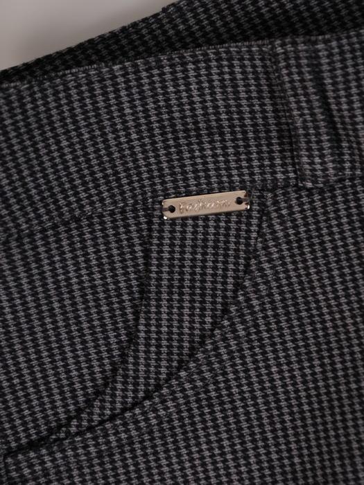 Spodnie w drobne prążki Melinda.