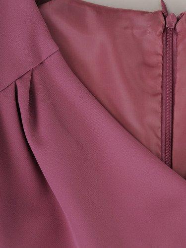 Sukienka damska 15678, kopertowa kreacja w fasonie maskującym brzuch i biodra.