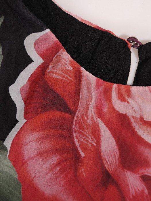 Sukienka damska 17532, elegancka kreacja w luźnym fasonie maskującym brzuch i biodra.