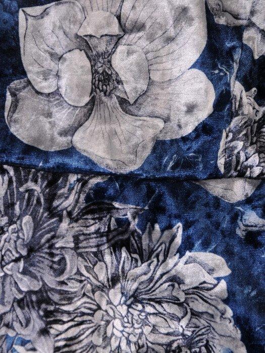 Sukienka damska 18546, kopertowa kreacja z łączonych tkanin.