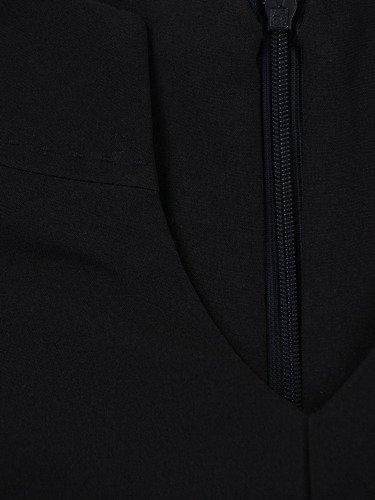 Sukienka damska Alberta II, czarna kreacja w fasonie maskującym biodra i uda.