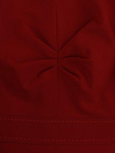 Sukienka damska Alberta IV, czerwona kreacja w fasonie maskującym biodra i uda.