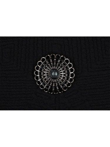 Sukienka damska Izabela, elegancka kreacja z czarnymi rękawami.