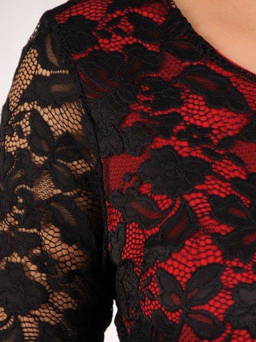 Sukienka damska Soneta V, elegancka kreacja z koronki.