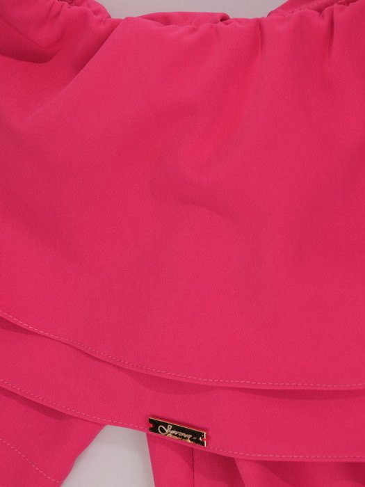 Sukienka damska Violetta IV, letnia kreacja z odkrytymi ramionami.